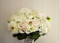 White and Green Milk Glass Wedding / Simple elegance