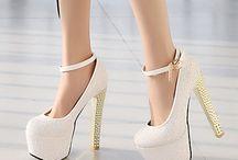 stylowe buty i sukienki