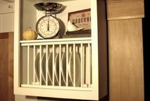 Plate Rack / plate shelf - tallerkenhyller / rekker / Ide'er - many great ideas here Plate Racks / rows in different varieties.  Ide'er - mange flotte ide'er. Tallerkenhyller / rekker i ulike varianter.   Pictures / bilder - go to google:
