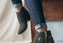 Shoes / by Ricarda Fatone