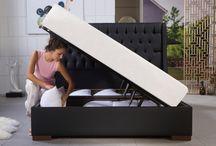 Κρεβάτια με αποθηκευτικό χώρο! / Μοναδικά κρεβάτια με αποθηκευτικό χώρο. Εξαιρετική ποιότητα κατασκευής με μεταλλικό σκελετό ηλεκτροστατικής βαφής επενδεδυμένο με ξύλο. Τέσσερα αμορτισέρ διπλής ενεργείας ανασηκώνουν με άνεση το στρώμα. Υπέροχα κεφαλάρια μοναδικής αισθητικής που θα τα βρείτε σε πολλά ξενοδοχεία σε όλο τον κόσμο.
