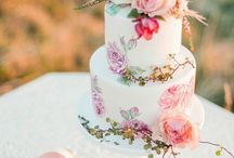 Wedding cakes that suit watercolor theme
