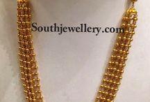 Unique gold jewellery designs