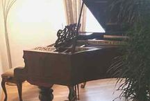 Hoelling und Spangenberg Grand Piano