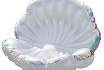 CLAM / This board is dedicated to our inflatable pool clam which can be bought here : http://www.fetchfloats.com/products/mermaid-clam-pool-float