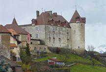 Gruyeres, Suiza / Qué ver y hacer en Gruyeres, guía de turismo de la ciudad suiza. http://queverenelmundo.com/Suiza/Friburgo/Gruyeres/Que-ver.php