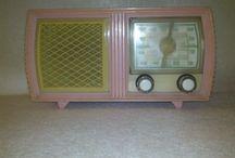 Radios 1950 - 1960 / Ràdios de diferents marques compreses entre els anys 1940 a 1950.