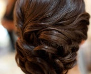 Hair & beauty / by Courtney Alexander