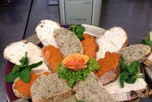 """Orientalisch-mediterrane Küche / Authentische kalte und warme Köstlichkeiten, frisch zubereitet von """"Zimt & Rosen"""" und geliefert von à la carte Kurier - ihr persönlicher Lieferservice in Köln."""