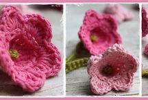 Crochet : Flowers / by Manal