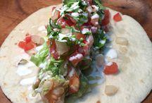 guacamole / エビとアボカドのtacos