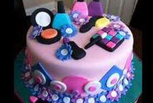 Good Lookin Cakes / by Jhada Gatewood