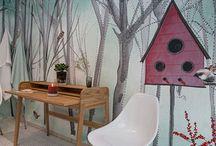 Tapeten / Ganz großartige, wunderbare Tapete, lässt jeden Raum ganz neu erstrahlen. Wärme fürs Zuhause, die Natur ist endlich auch im Raum, das Design der Tapeten ist von der Natur Südamerikas und Europas inspiriert. Macht so Lust auf neue Wandgestaltung, Wanddeko fürs Wohnzimmer oder Schlafzimmer, Ideen auch fürs Kinderzimmer. Das ist eine Mustertapete, die Künstlerin gestaltet die Tapeten auch individuell. Farbenfroh in grau, grün, blau, gelb, rot, braun, rosa, bunt alles da. www.sweetlittledo.com