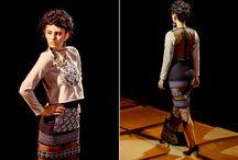 HURO ME by ROMÁN GABRIELLA / Conceptul HURO ME este un autoportret, care promovează cultura mixtă, combinarea motivelor româneşti cu motivele maghiare.  Fiind de naţionalitate maghiară şi trăind în România, aş vrea să promovez uniunea dintre aceste două naţiuni, uniunea sufletească, lăsând deoparte politica sau istoria.