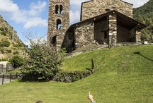 SUMMER FAMILY GETAWAY / Find a getaway proposition to discover Andorra, an awesome family country.  #family #travel #andorra #andorraworld #kids #culture #nature #church #andorralovers