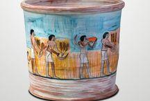 Lienzos de barro / Estas piezas están hechas y pintadas totalmente a mano (Totana, Murcia). En su fabricación se han utilizado la arcilla y una selección de óxidos puros combinados con fundentes especiales que hacen que encontremos estos acabados coloridos y a su vez resistentes. #artesania #ceramica #innovación  http://artcerinova.com/tienda/es/5-lienzos-de-barro