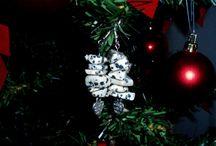 the ArtePovera Christmas tree / our favorite jewelry decorate the Xmas tree!