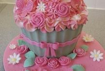 Giant cupcakes / Giant cupcakes / by Aisha
