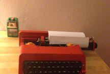 Daktilo / Hiç eskimeyen teknoloji..kırmızı daktilo (;