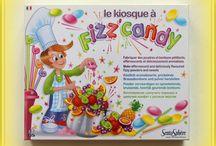 Francuskie zabawki w ksiegarni PLAC FRANCUSKI / Księgarnia PLAC FRANCUSKI to również oferta dla najmłodszych. Zapraszam do krainy  francuskich zabawek edukacyjnych i kreatywnych.  Proponowana oferta dla dzieci jest moim subiektywnym wyborem gier i zestawów kreatywnych pobudzających wszystkie zmysły od dotyku do smaku i zapachu.  Zabawki te są opracowane i wyprodukowane przez cieszące się wieloletnią tradycją i uznaniem na rynku, również dzięki wysokiej jakości swoich produktów, firmy francuskie.