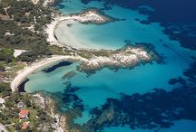 Exotic Halkidiki / Halkidiki holds the reigns of one of the most exotic destinations of the country; endless golden sandy seashores with emerald and turquoise waters will take your breath away on this paradisiacal corner of Greece.