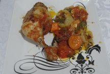 Receita: Frango de forno com legumes e vinho - fácil e delicioso!