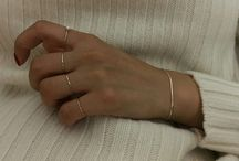 Hands and jewlery / the delicate hands that cary delicate jewellery