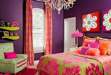 A bedroom / by Debbie Esbitt