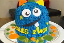 Baby Monthsary Cake / All cakes to celebrate milestones of every child.