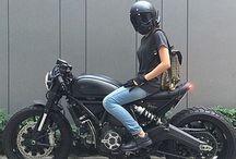 moto cafe racer...