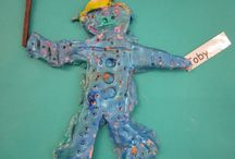 Self Portrait Clay Creations / Year 1 roll their sleeves up for claytime
