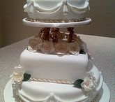 Cakes / A collection of wedding cake inspiration.