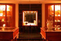 Showroom - Bijouterie Joaillerie Robbez Masson / Marc Robbez-Masson - Bijoutier Joaillier  Installés à Porto-Vecchio en Corse-du-Sud depuis 1979, la bijouterie Robbez Masson vous accueil dans son espace dédié à la création de bijoux avec sa boutique, son showroom et son atelier de taille de corail.   Depuis 2012 toutes nos collections et créations sont sur www.bijouxmrm.com !