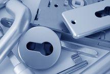 Türbeschläge / Bänder · Glastürbeschläge · Haustürbeschläge · Metalltürbeschläge · Schiebetürbeschläge · Treibriegelbeschläge · Türschließer · Zimmertürbeschläge
