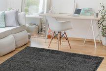 Einfarbig Kurzflor / Die Kurzflor Teppiche aus der Kollektionsreihe SOMA heben sich durch ihren neutralen Design und ihrer strapazierfähigen Oberfläche hervor. Die Teppiche sind nach dem unabhängigen Oeko-Tex-Verfahren als umweltfreundlich zertifiziert und lassen sich durch ihre weiche Substanz nicht nur leicht reinigen, sondern sind auch in Wohnungen mit Fußbodenheizung problemlos nutzbar.