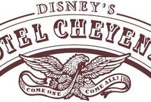 Disney's Hotel Cheyenne / Entrer dans cette petite bourgade du '' far West'' où toutes les légendes hollywoodiennes reprennent vie. Ici les désaccords sont réglés à l'ancienne… Le duel aux revolvers. Le couché du soleil venu, laisser votre cheval aux écuries et entrer dans le red garter saloon pour un dernier verre sur un fond musical country (banjos et guitares). Venez jouer aux cow-boys et aux indiens dans le Disney's hôtel Cheyenne®.