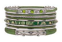cool statement jewelry / by Catrina Swinburn