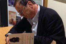 """Javier Moro Presentación """"A flor de piel"""" 26 abril 2016 / Colaboración con la Feria del Libro Alicante 2016, ciclo """"Literatura, historia y vida"""" mesa redonda con el escritor Javier Moro y su libro """"A flor de piel"""""""