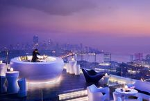 Roof Top Bar / How amazing to view the city or landscape from the top of the building