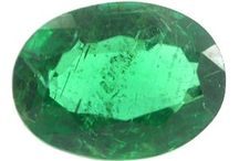 Buy Loose Emerald Gemstones / Buy online largest collection of Quality Emerald gemstones with a variety of shapes, colors, and sizes at wholesale price.