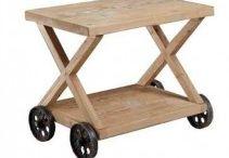 Tavolini da salotto / Un tavolino basso è un complemento d'arredo che può essere nascosto o protagonista, ma se non c'è se ne sente la mancanza!