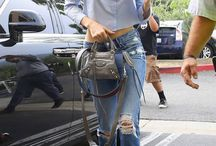 sister Kardashian/Jenner