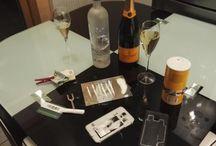 Soirées Cocaine / J'ai décider, a partir de plusieurs photos, de montrer le déroulement du développement d'une addiction a la cocaine.