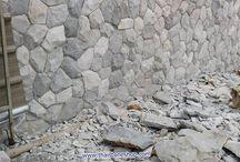 หินธรรมชาติ หินภูเขา สีเทาขาว งานตกแต่งผนังโชว์ด้านหน้าอาคาร