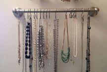na šperky,čepice,šály,kravaty,opásky