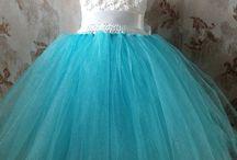 girl 's    dresses.