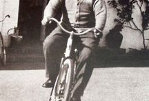 Celebrities on bicycle / Very important persons ride!
