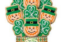 St. Patrick's Day Decorated Cookie Bouquets/Gifts / Send friends and family warm Irish wishes with this delicious arrangement of shamrock and leprechaun cookies made with our signature shortbread recipe. These festive cookies are a sweet surprise to deliver your Happy St. Patrick's Day greeting.