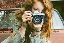 девушка и фотоапарат