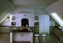 Kitchen collection / Cucine arredate secondo la Boiserie collection e la ClassMode collection. Kitchen furnished by the Boiserie collection and the ClassMode collection.